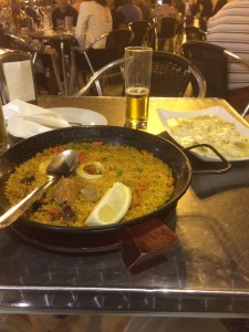 And of course, one cannot leave Valencia without having their world-famous Paella at Plaza de la Virgen